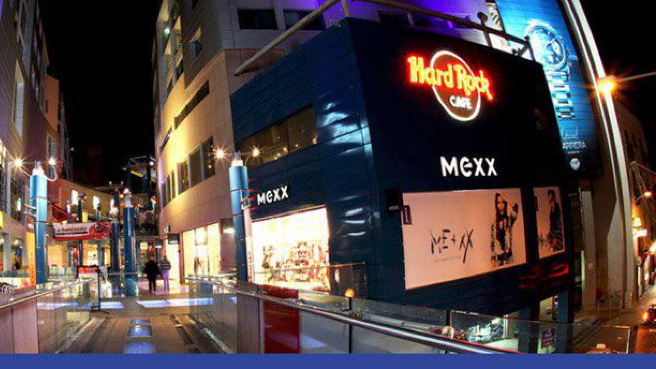 71d242d757359 Bay Street Shopping Complex